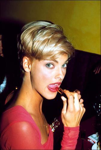 Linda Evangelista Pixie Hair Linda Evangelista 90s