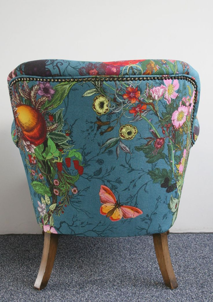 This is the back of a chair that I love so much that I would build a room around it!
