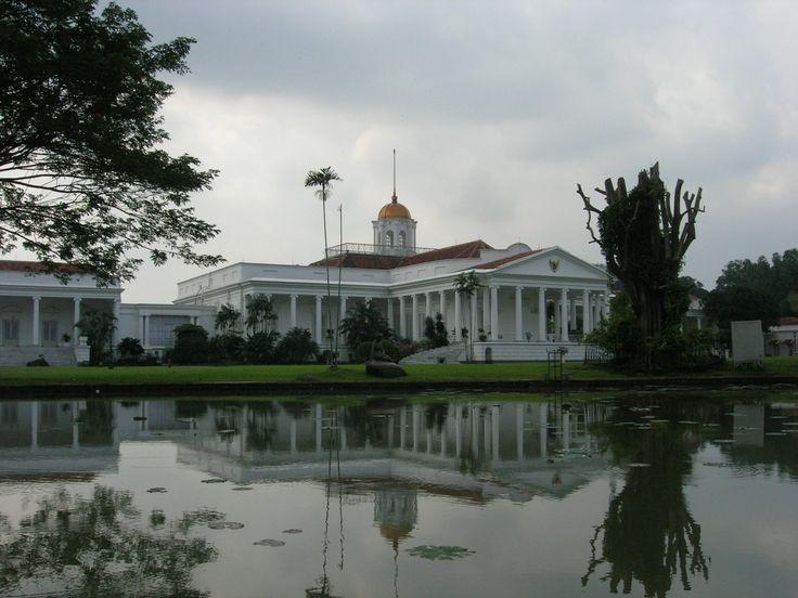 bogor-botanical-garden-view-of-palace