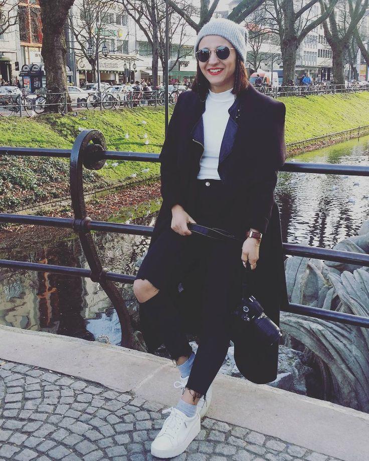 Llegué a mi destino se acabó mi viaje pero Düsseldorf no te olvides de mi que pronto volveré. Ya te echo de menos mi niño #fin #holidays #teechodemenoss #love #instamoment #boyfriend #suerte #temerecestodo #muak by mi_armario_favorito