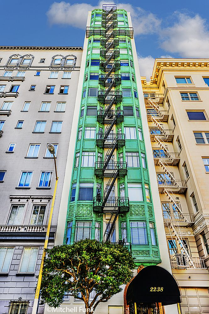 •Green Apartment Building On Russian Hill, San Francisco www.mitchellfunk.com
