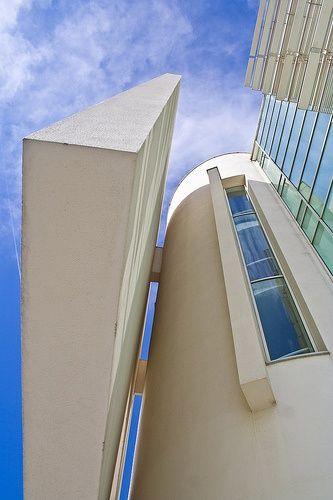 Barcelona Museum Of Contemporary Art, Macba by Richard Meier #architecture #design #richardmeier #museum