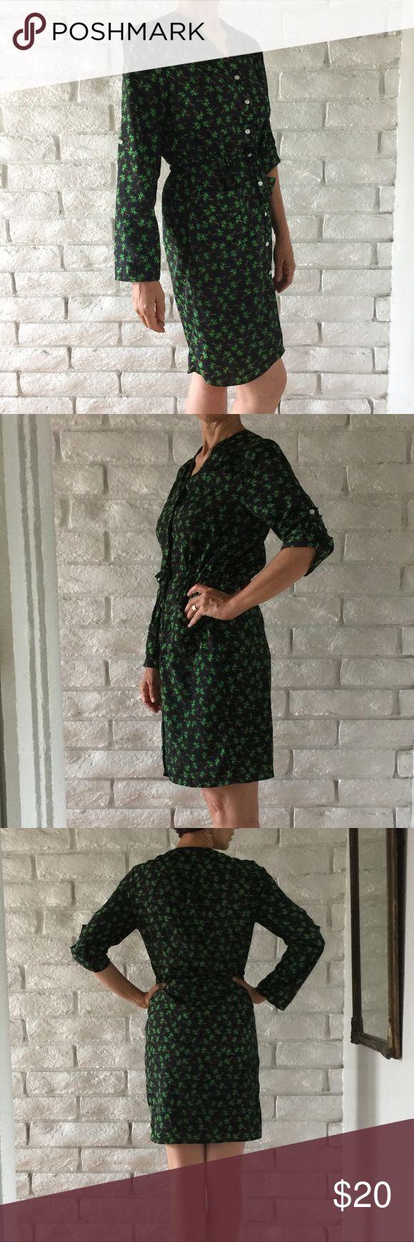 Spense Palm Tree Dress Super cute button down Palm Tree dress. Elastic waist with pockets. Spense Dresses