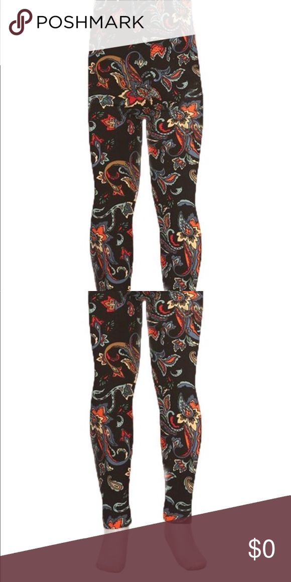 🗣COMING SOON🗣 Super Soft Printed Leggings Super soft peach skin fabric, multi-color printed leggings with high waist.   92% Polyester, 8% Spandex.  Smoke free home.  Fast Shipping.  5⭐️ Rating. Bottoms Leggings