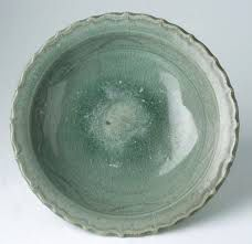 Image from http://www.trocadero.com/stores/asianantiques/items/193281/picture1.jpg.