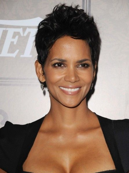 Halle Berry Pixie - Halle wore her short layers in a tousled 'do for the Power of Women soiree.