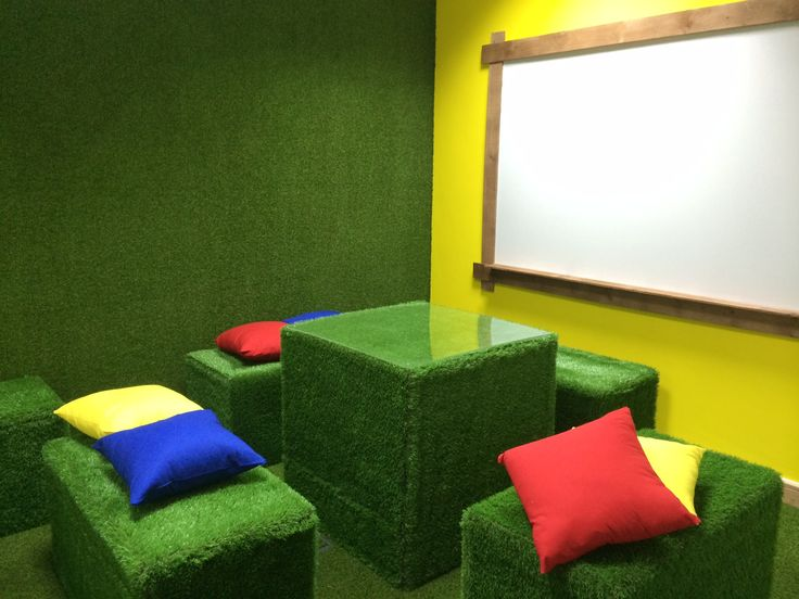 Bespoke Artificial Grass furniture. A Fun contemporary alternative to office furniture, children furniture or outdoor furniture. Click to view our range or give us a call for more bespoke pieces