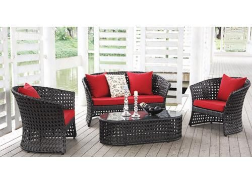 enjoy your terrace with this black + red combination