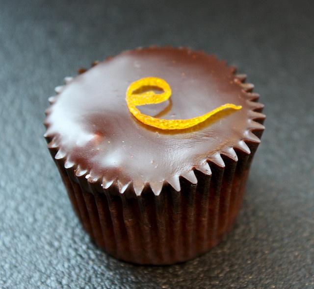 photo by nooschi / Orange Almond Cupcake #ghermez