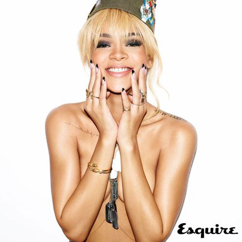 Rihanna loses the TeeEsquire 03, Soooo Sexy, Esa Sonrisa, Esquire Magazines, Rihanna Esquire, Esquire Uk, Fave Girls, Rihanna Topless, Rihanna Naked