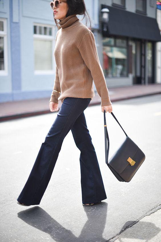 Simple flares and a poloneck - a classic look for Spring! | I pantaloni a zampa semplici e un maglione dolce vita - un look classico per la primavera!