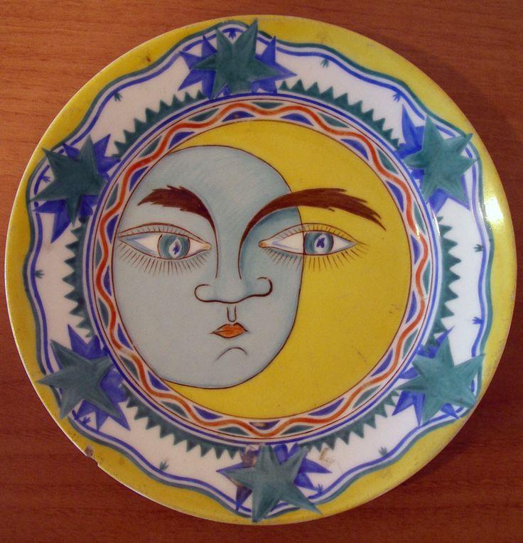 "Shekhatikhina-Pototskaia, ""Sun and Moon"" Plate, 1919.  Иллюстрация №2. Тарелка «Солнце-Луна». 1919.Фарфор; надглазурная полихромная роспись. ГЭ."