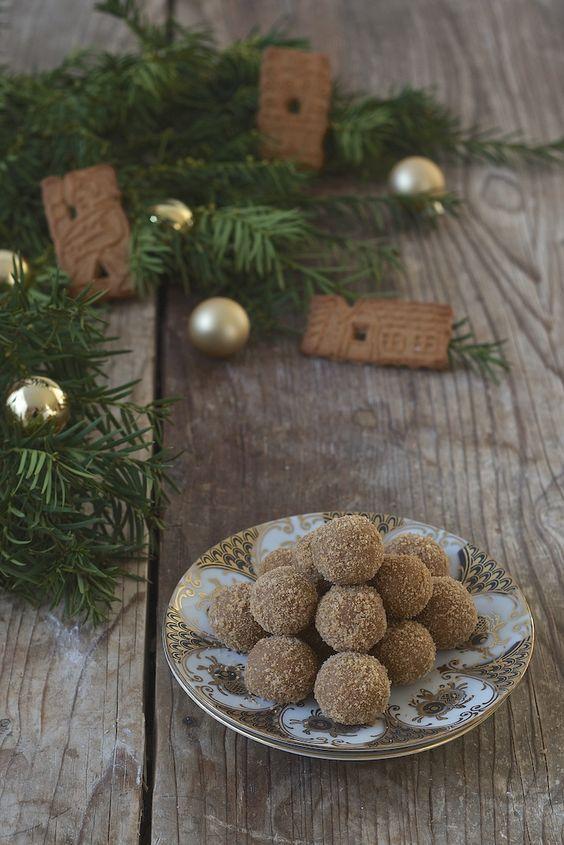 Spekulatiuskugeln mit weisser Schokolade und Marzipan // Sweets & Lifestyle®️️