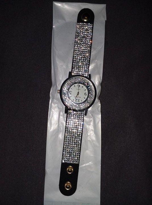 Price : 450 Contact: 03456040409 #watch  #watches  #watchoftheday  #luxury #rolex  #timepiece    #watchcollector    #omega  #rolexwatch   #swissmade  #luxurywatch #chronograph       #luxurywatches #watchlover