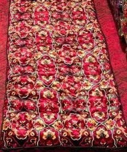 Kurpacha velvet  Tashkent Uzbekistan  National handicrafts - kurpacha narrow quilt serves bedding. Kurpacha: velvet Filling: Wool Size: 4 meters 80 centimeters.   O ovome treba ozbiljno razmisliti, cena $62