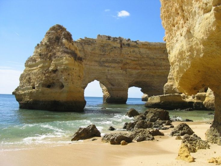 Praia da Marinha, Algarve - my favorite beach {Photo: Fernanda, Via: Olhares.pt}