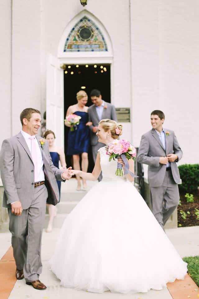 Preppy southern wedding | Jenna Henderson Photography | see more on: http://burnettsboards.com/2015/04/preppy-summer-garden-wedding/