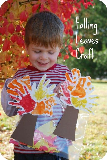 Sempre criança: http://www.thehappiesthome.com/falling-leaves-craf...