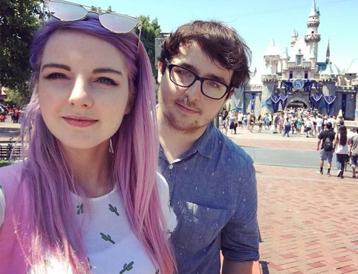 Youtubers dating fans