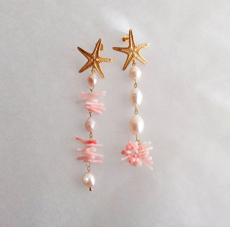 These earrings are stunning but quite lightweight!  I bought the big gold filled starfish post a few months ago and I just waited for the right inspiration.  Then I went for the latest trend, that is mismatched earrings, and I assembled together freshwater pearls in different sizes and pink coral shards.  I am very proud of the final result, that is a pair of earrings that will suit you from morning to night!  All the findings used, including the post, are gold filled silver.  Total length…