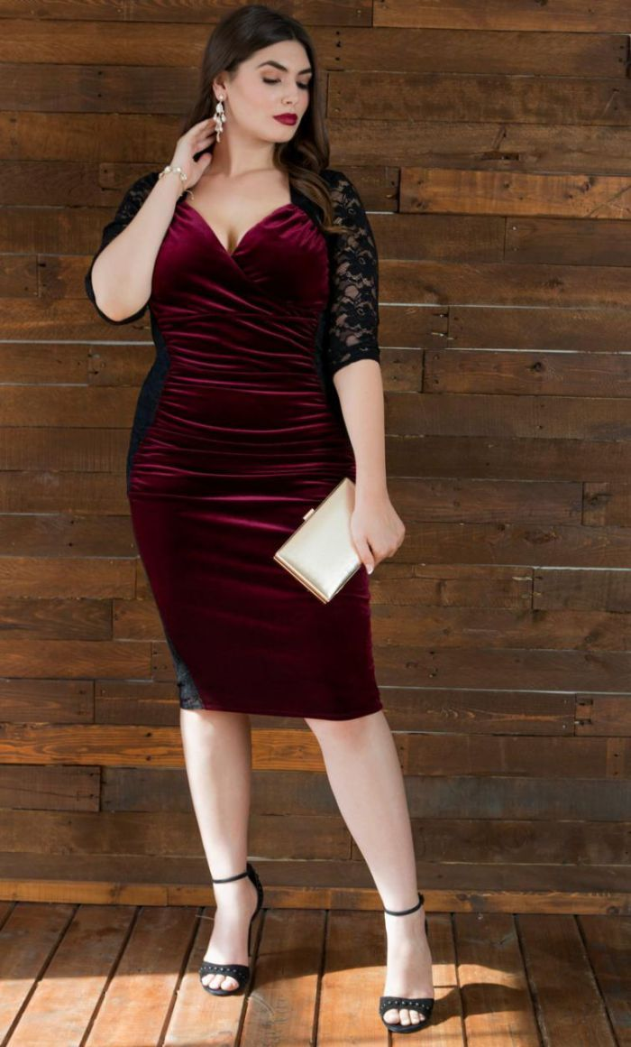 a3eb4c8afec Your bows will be front and center in this Plus Size Bodycon Cocktail Lace  Dress. Made of a ruched velvet front and contrasting lace back that created  a ...