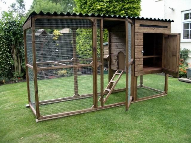 Simple chicken coop poulailler pinterest simple for How to make a rabbit hutch from scratch