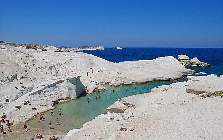 Summer-in-Greece-Sarakiniko-Mylos