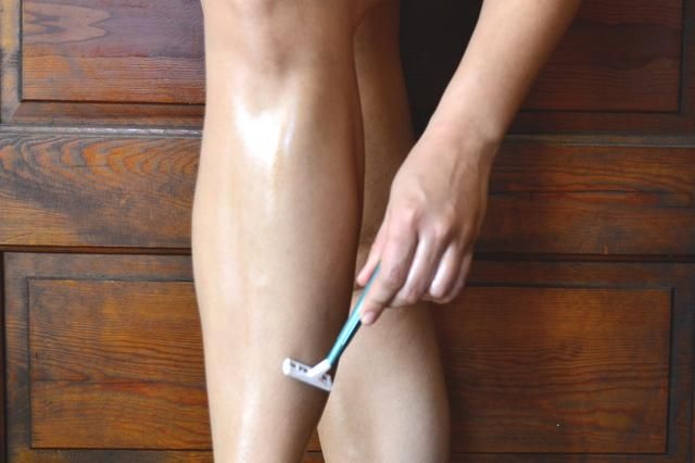 How to Shave Your Legs Using Baby Oil...   And your legs will be super soft & smooth!!