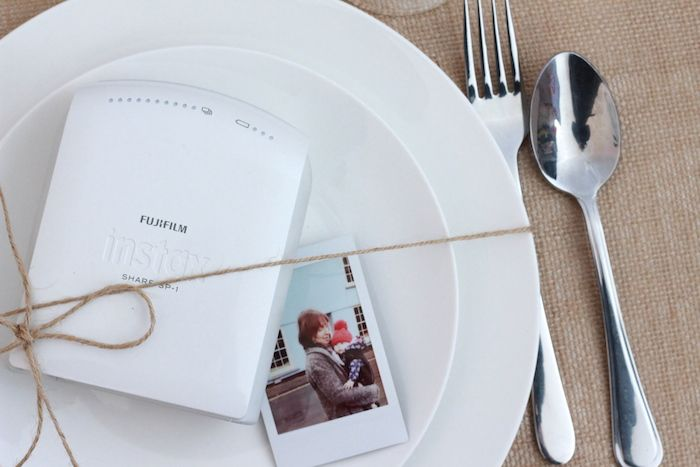 Personalise your wedding placeholders using instax SHARE