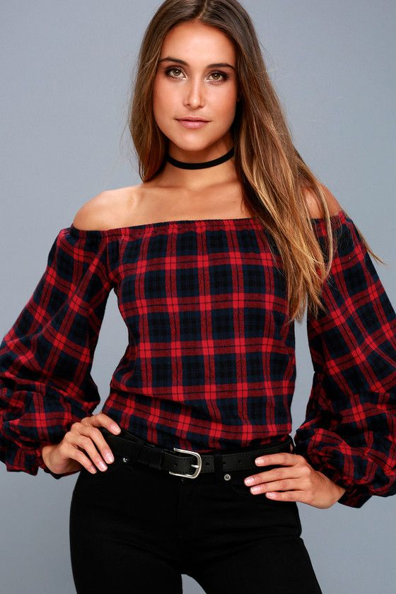 Pair the PPLA Tara Navy Blue and Red Plaid Flannel Off-the-Shoulder Top with your fave skinny jeans for a perfectly trendy look! Lightweight, soft flannel fabric, in a navy blue and red flannel print, shapes an elasticized off-the-shoulder neckline, and bold, ruched statement sleeves with elasticized cuffs. Wide-cut bodice.