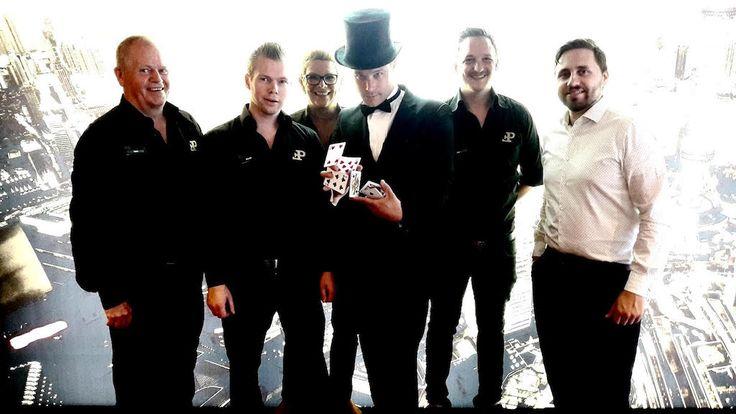 Fair Play Casino in Valkenburg heeft een compleet nieuwe make-over gekregen, er is maandenlang gezwoegd om er een nog mooier casino van te maken. Ook heeft dit filiaal nu een alcoholvergunning wat reden was voor een magisch feestje. De bekende Magic Gambling Night van Fair Play Casino