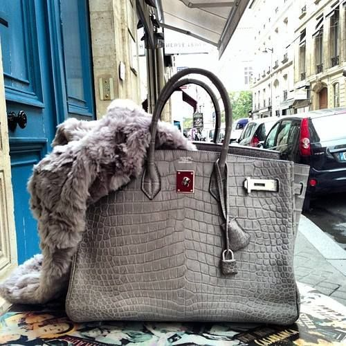 My favorite shades of gray all on one perfectly designed bag.