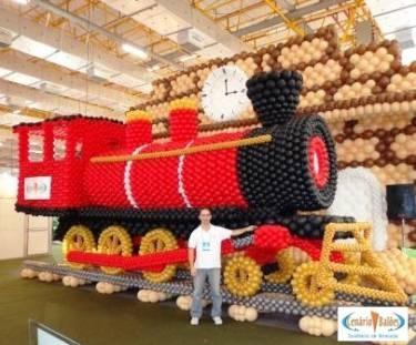 Train Twist Balloon