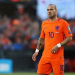 Wesley Sneijder announces Netherlands retirement following Ronald Koeman visit