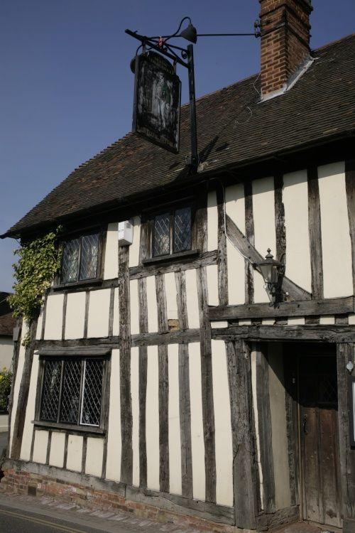 """""""village pub"""" Cobham, Kent (©adam swaine / Pictures Of England)"""