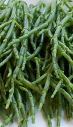 Samphire! Every time Harper goes past she picks some to snack on, lol, cute!!