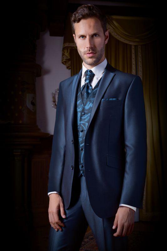 1000 idees a propos de costume bleu pour homme sur for Charming quelle couleur avec le bleu 0 quelle couleur de costume pour homme choisir