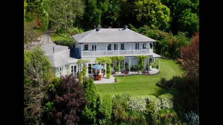 http://www.greatlaketaupo.com/accommodation/listings/west-wellow-lodge/