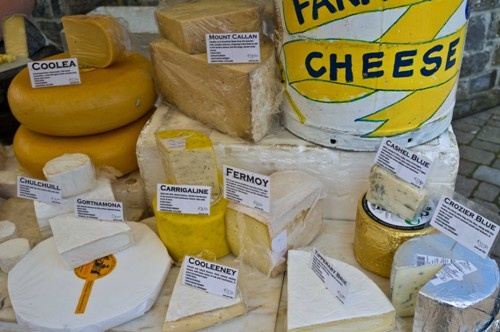 You''ll find a lovely selection of cheese at the Farmers Market, The Market Yard Centre, every Thursday from 10am - 2pm.  http://www.mycarrick.ie/357/The+Market+Yard+Centre,+MRD+Marketing+Ltd