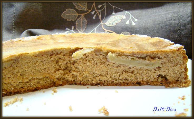 Biszkopt z jabłkami z mąki kasztanowej http://kuchniabetti.blogspot.com/2013/11/biszkopt-z-jabkami-z-maki-kasztanowej.html