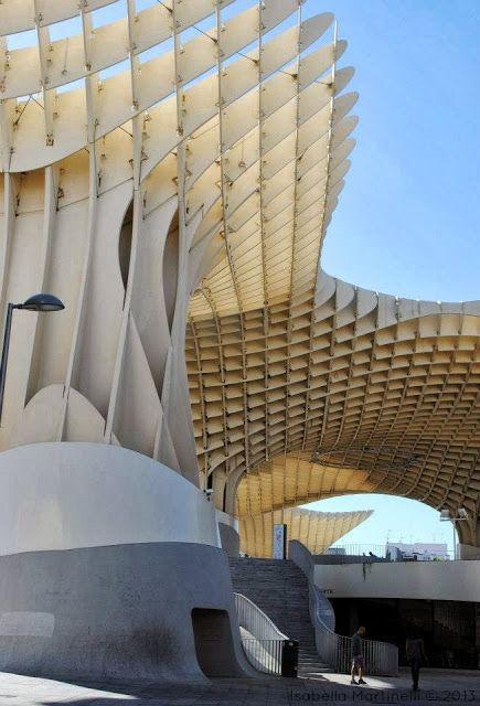 Dichiarazione d'amore con caffè in cima al fungo. (Metropol Parasol-Sevilla)