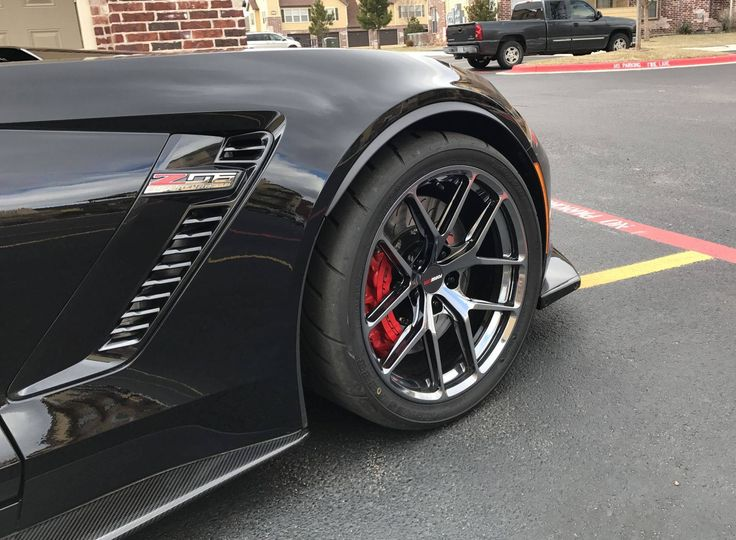 Could be the next Batmobile? Our friends at Custom Wheels for Less equipped Eric's C7 Corvette Z06 with this set of 295/30ZR19 & 345/30ZR19 Toyo R888 tires and 19x10/19x12 Forgeline one piece forged monoblock VX1R wheels finished in Black Chrome PVD! See more at: http://www.forgeline.com/customer_gallery_view.php?cvk=1846 #Corvette #Z06 #CW4L #Forgeline #monoblock