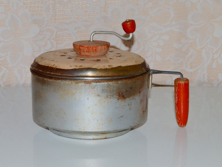 SALE Stovetop Popcorn Popper Hand Crank  Metal Red Wood Handle Vintage Rustic, Grungy Popcorn Popper Rustic Small Kitchen Appliances - $18.70 USD