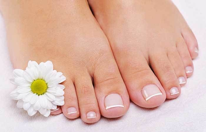 Do you often visit beauty parlors for pedicure? Have you ever tried at home? Here are 7 easy steps to do a french pedicure at home for you to try out today.