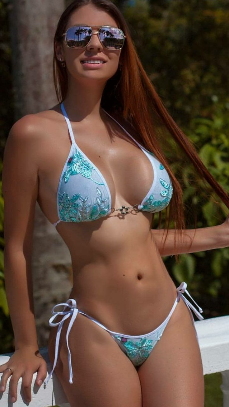 Gorgeous womens bodies in tiny bikinis
