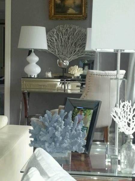 Wunderschöne Safavieh Leuchte im Vintage Stil. Es sind 2 Stck. Vorhanden, der Preis ist pro Lampe.Versandkosten ca. 7,90 EUR, Zahlung per PayPal erwünscht.Keine Garantie, Gewährleistung und Rückgabe.