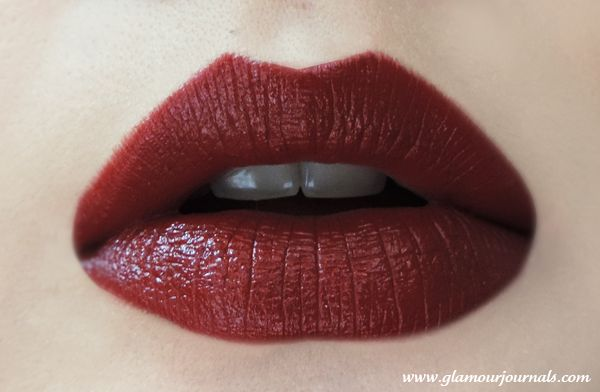 Maybelline Super Stay 14Hr Lipstick in Timeless Crimson Review - Indian Makeup Blog