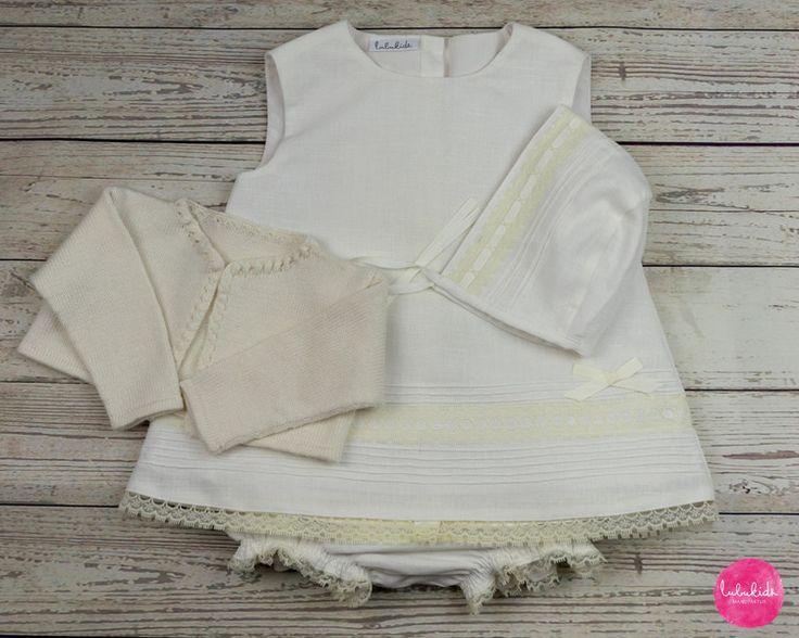 Taufbekleidung - Set Taufkleid Leinen weiß + Hose + Mütze + Jacke - ein Designerstück von lubukidz bei DaWanda