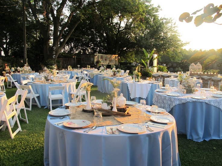 @Jenny Hill, click through to see the whole wedding... lots of pretty ideas that are right up your alley! http://not-so-shabby.blogspot.com/2012/06/vintage-backyard-wedding.html