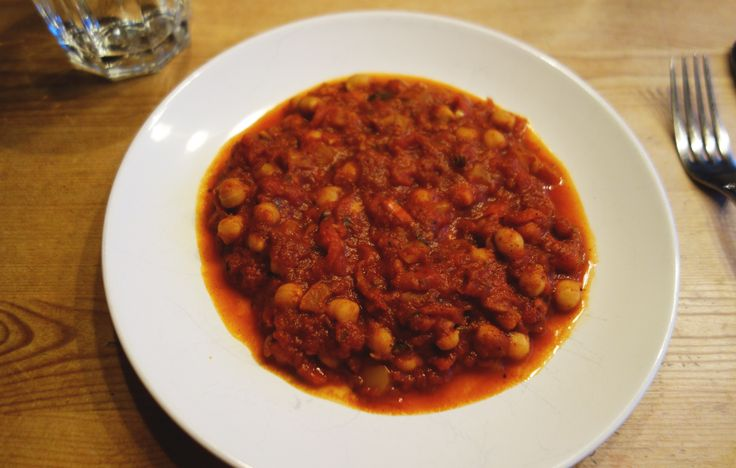 Healthy vegan Chana Masala! Quick and easy recipe on my blog! :D